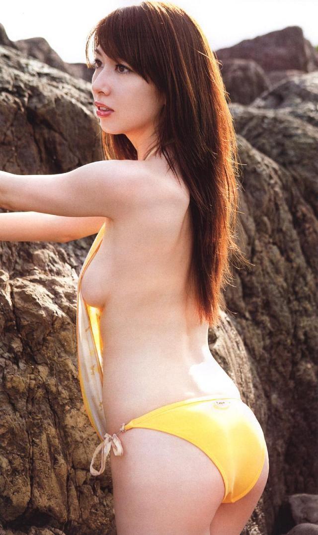 ナイスバディで美乳の美女、小林恵美 (15)