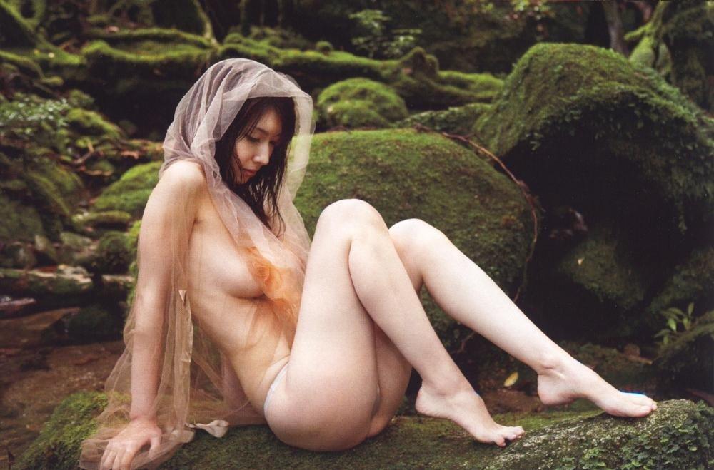 ナイスバディで美乳の美女、小林恵美 (5)