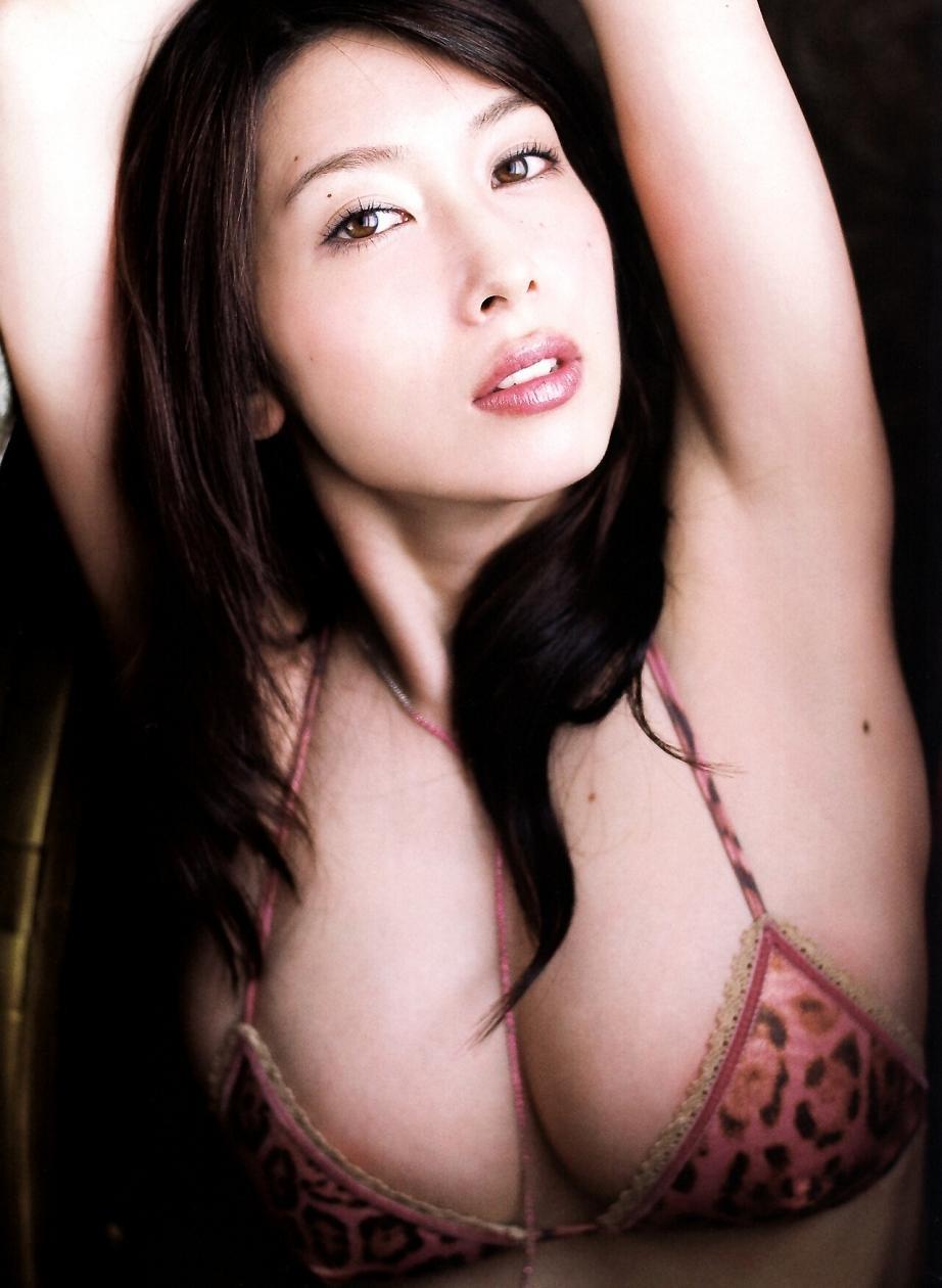 ナイスバディで美乳の美女、小林恵美 (14)