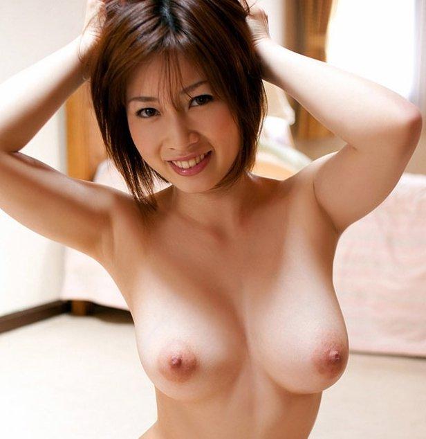 グラマーお姉さんの豪快SEX、奥田咲 (1)