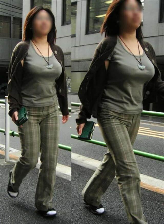 着状態の爆乳OLを街撮り (19)