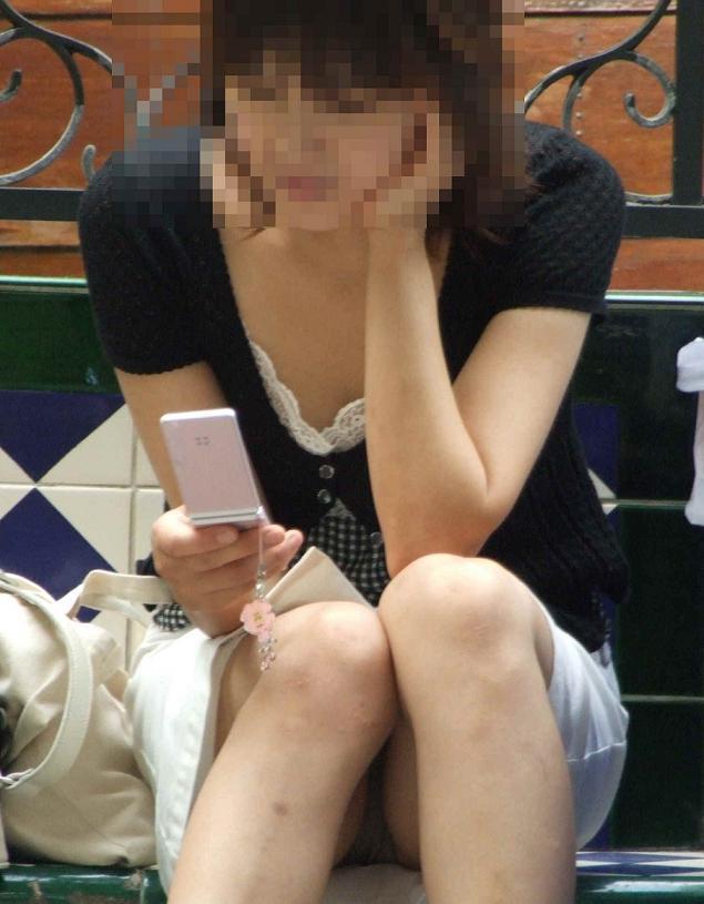 パンツが見えてる素人の女の子 (8)