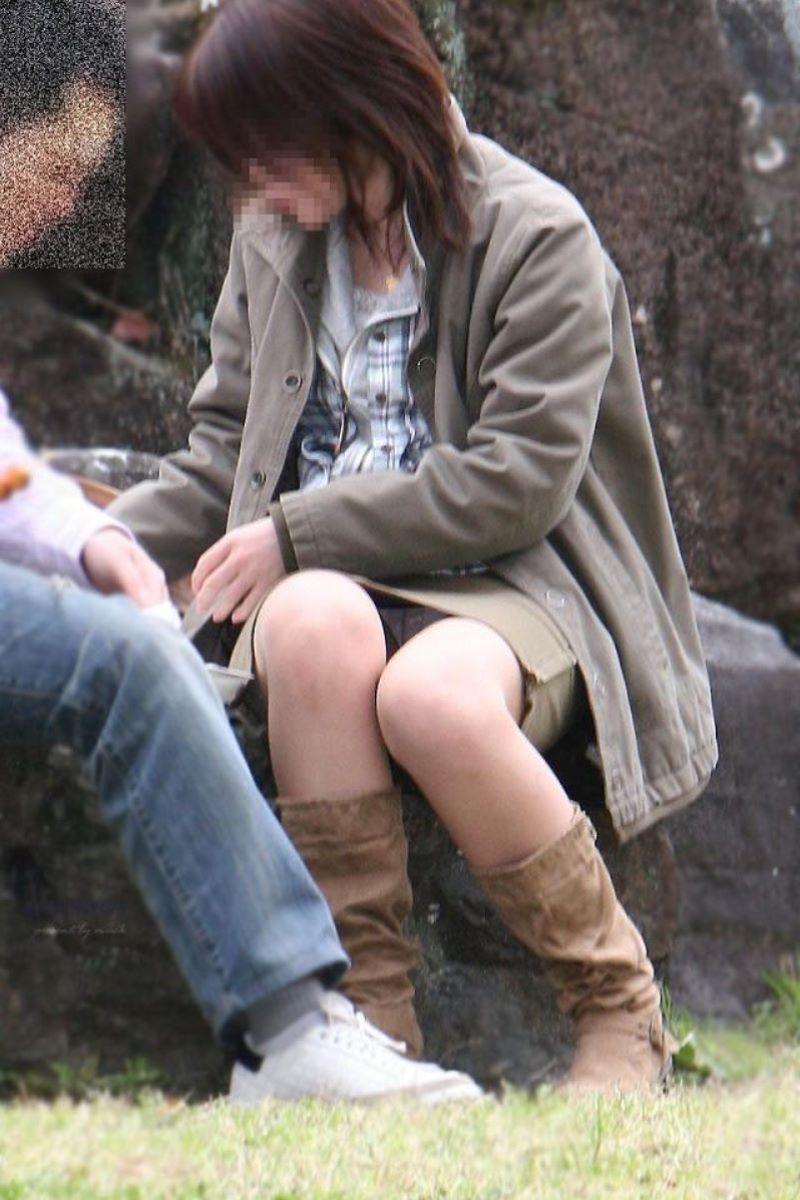 パンツが見えてる素人の女の子 (12)