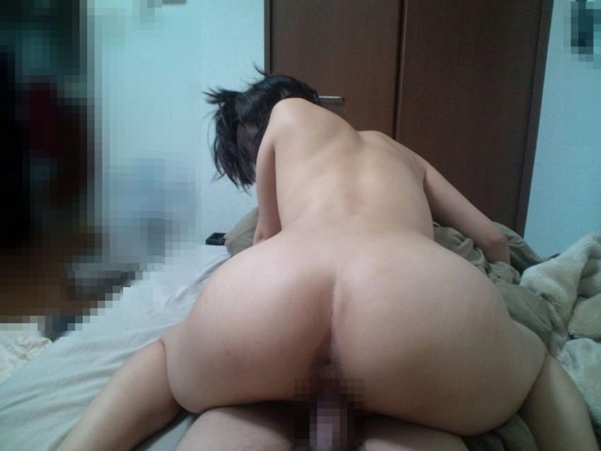 ラブホで夢中でセックスしてる素人の男女 (12)