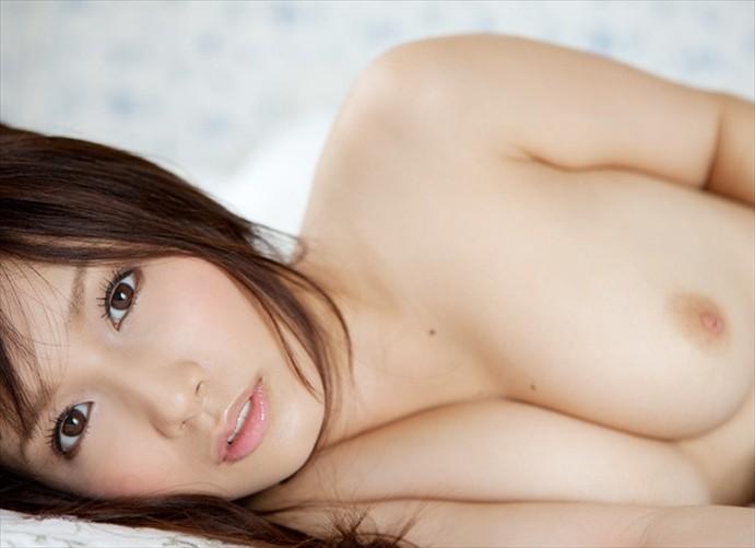透明感あふれる美肌女性の全裸 (4)
