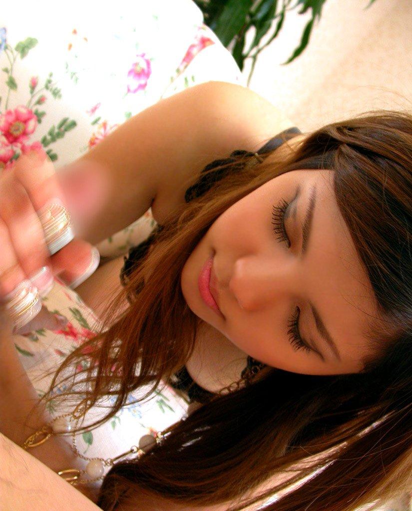 美少女の手でシコシコされる快感 (14)