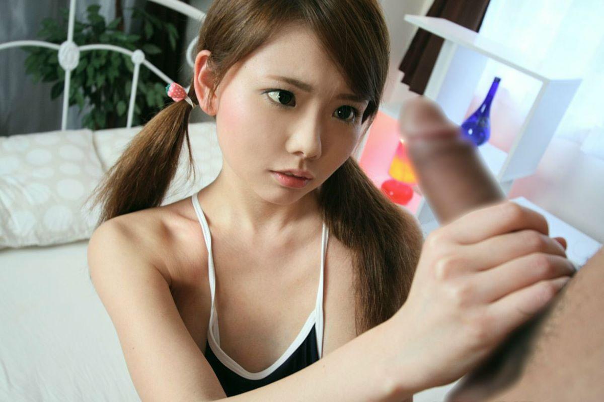 美少女の手でシコシコされる快感 (3)