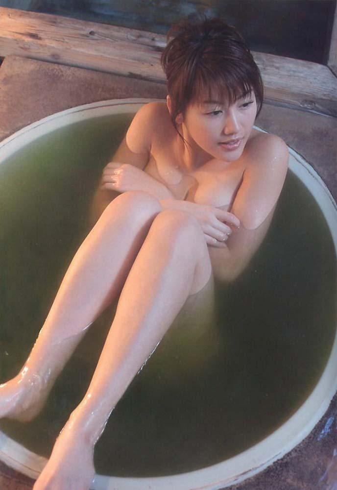 綺麗な芸能人が風呂に入ってる (5)