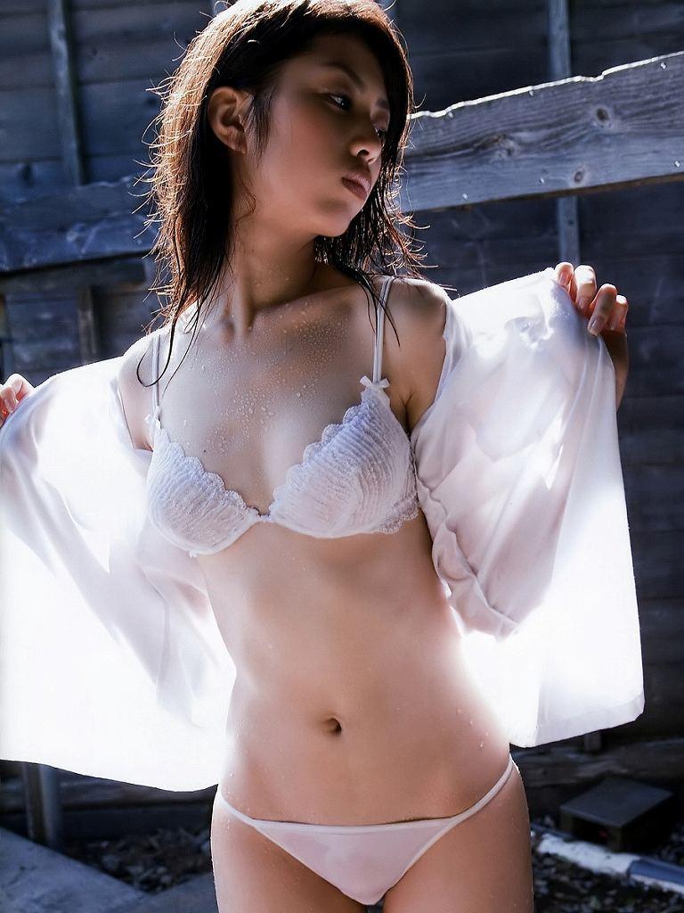 ナイスバディ美人の下着姿 (12)
