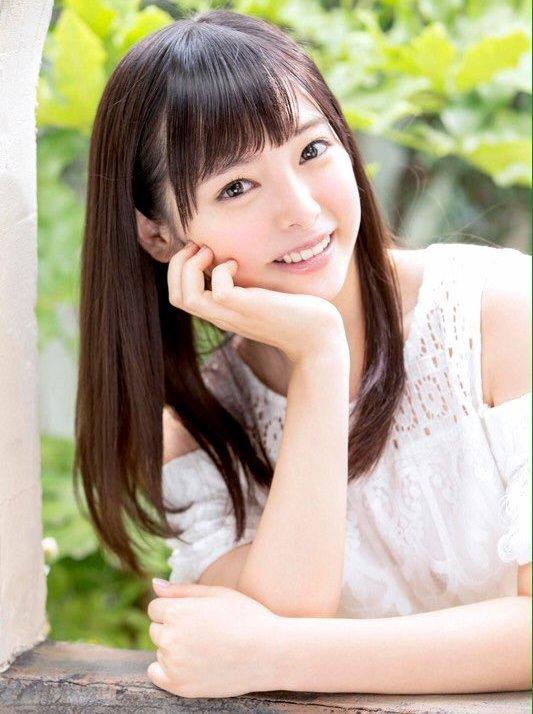 アイドルみたいな女の子が濃厚なSEX、小倉由菜 (2)