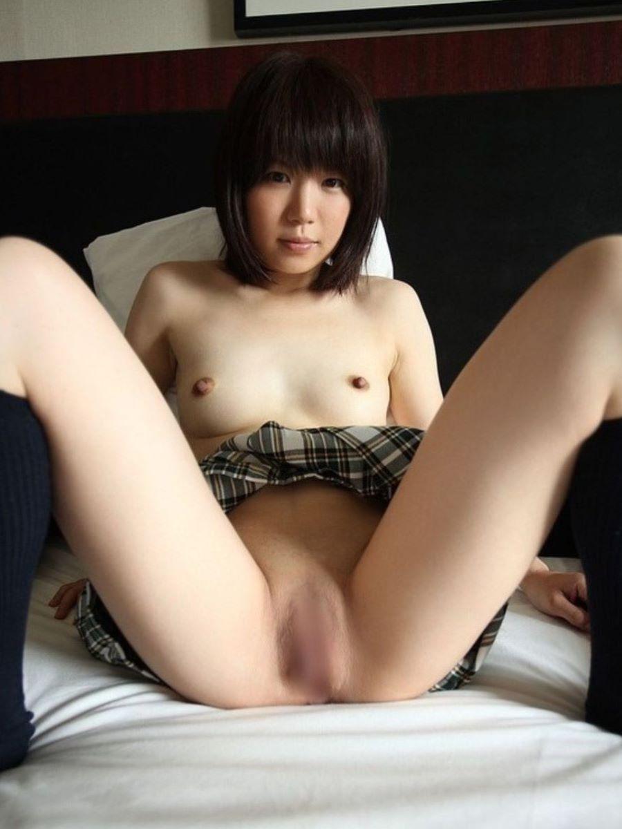 股間が無毛状態の女子高生たち (6)