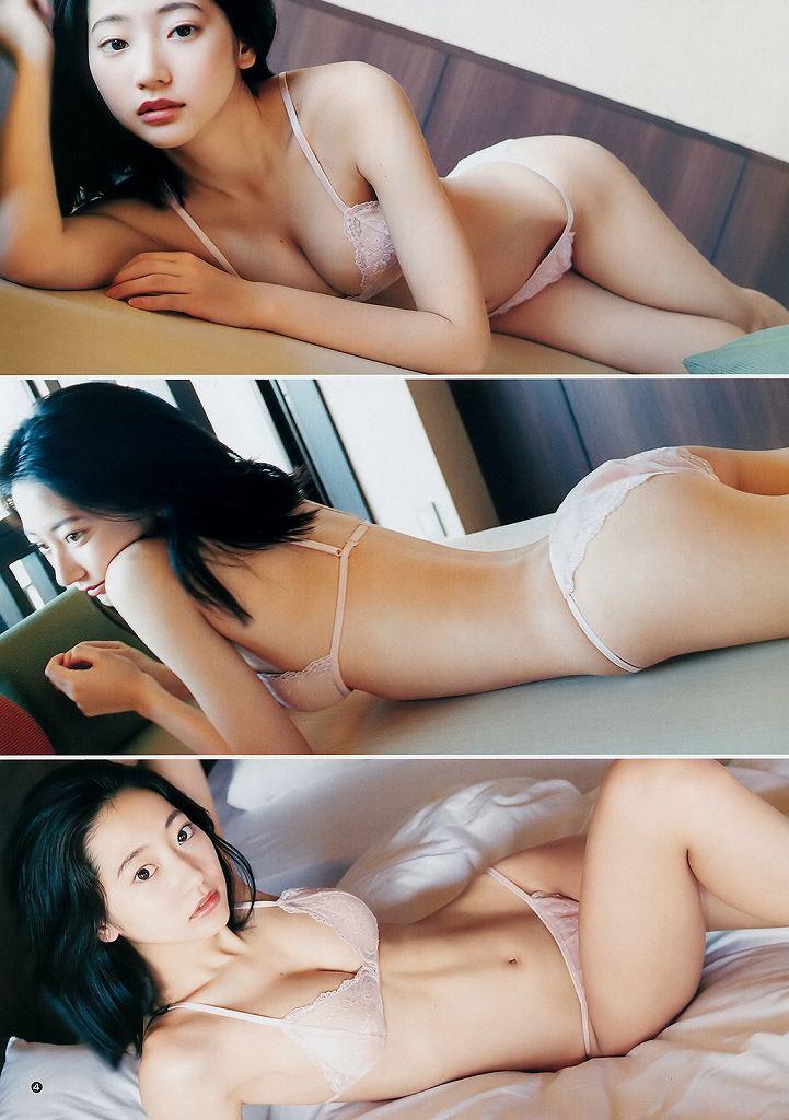 モデルも女優もする美少女、武田玲奈 (14)
