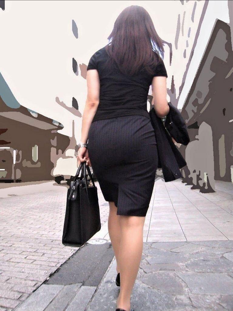 パンツやケツの形が丸わかりの素人さん (10)