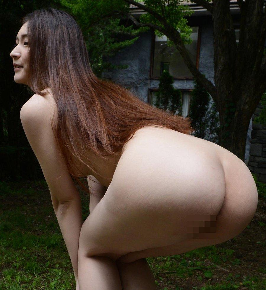 プリプリで綺麗な美尻を見せちゃう女の子 (1)