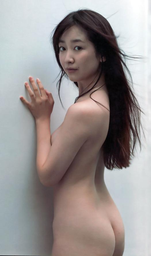 生尻を全開にしている女優やアイドル (2)
