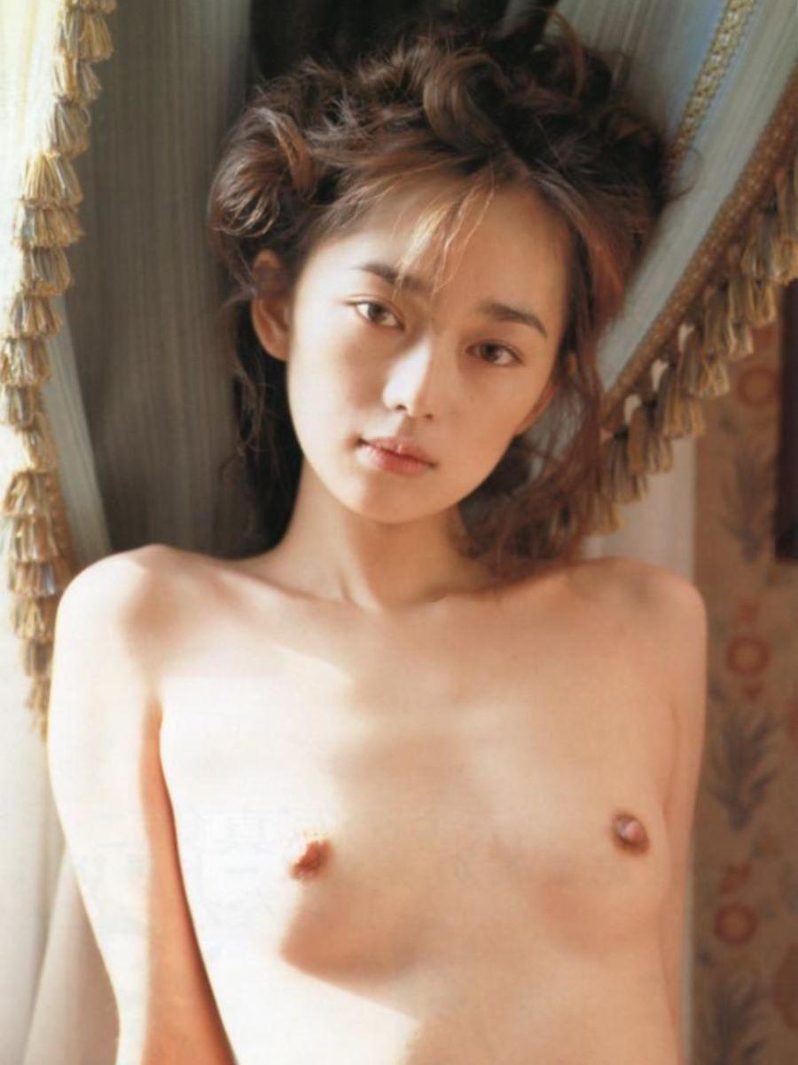 美しい芸能人の美しい乳首 (11)