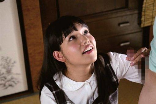 キュートな笑顔でハードなSEXを堪能する、河合向日葵 (11)
