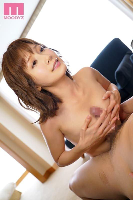 アイドル顔で濃厚SEX、小島みなみ (19)