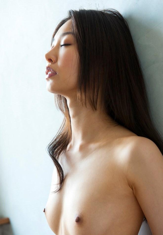 細身の熟女が濃厚SEX、夏目彩春 (10)