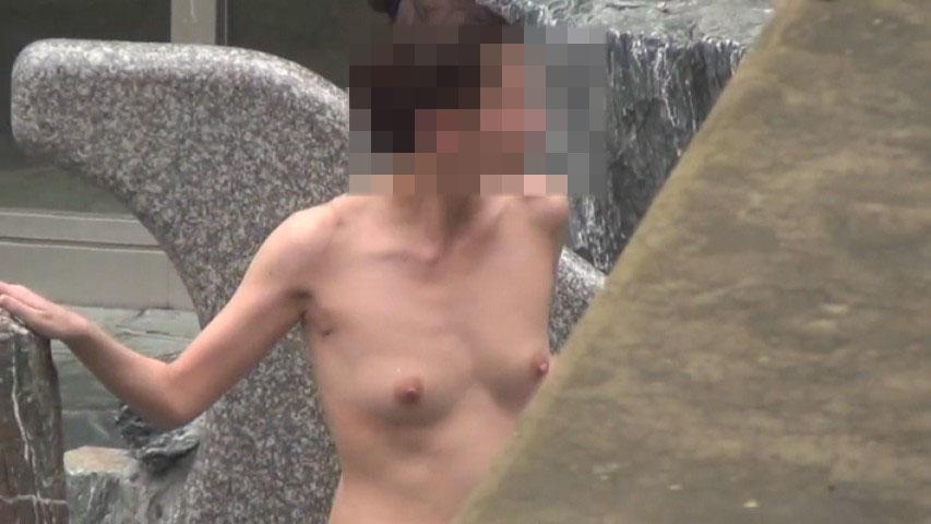 温泉で見つけた素っ裸の素人さん (14)