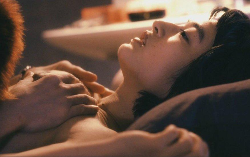 柔らかそうな乳房を揉まれまくる女の子 (18)