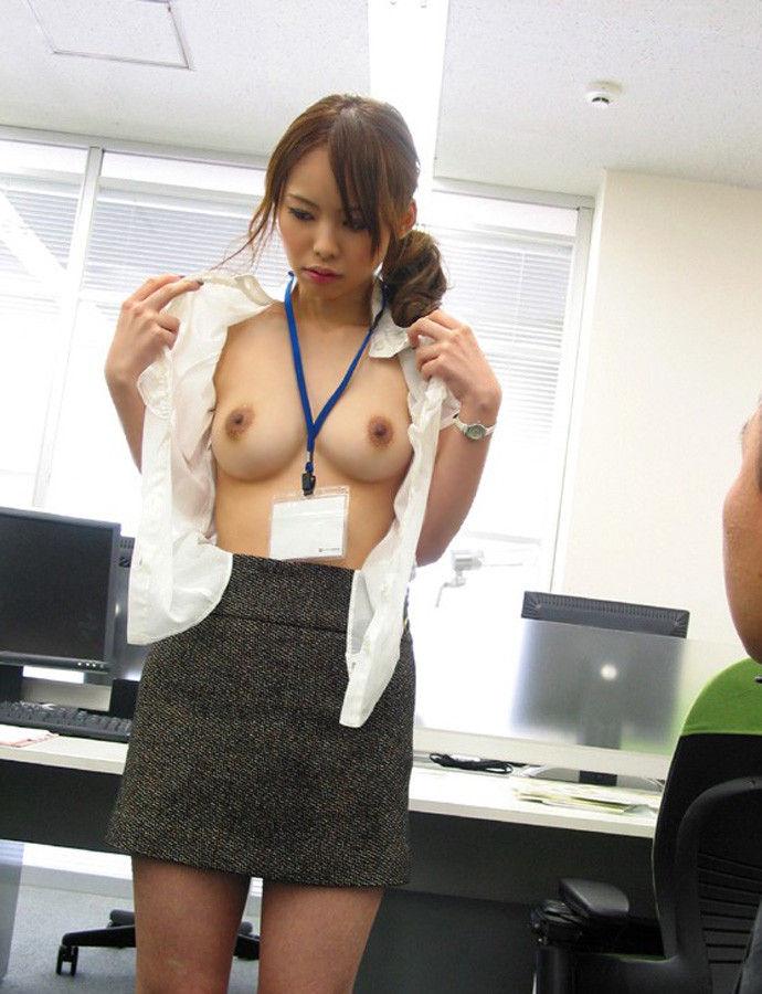 淫乱OLが裸になったりSEXしたり (6)