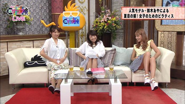 TV番組でアイドルや女優がチラ見せ (4)