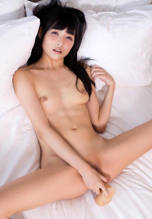 マン汁を垂らして濃厚SEX、山井すず (10)