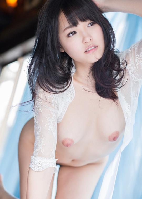 美乳のオッパイも美少女の顔も素晴らしい (4)