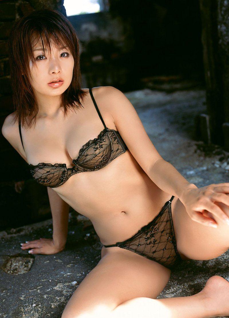 エッチなランジェリー姿の可愛い女の子 (3)
