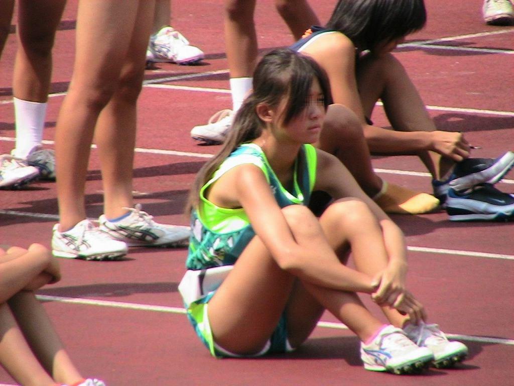 ハミ尻やパンチラしてる女子選手たち (14)