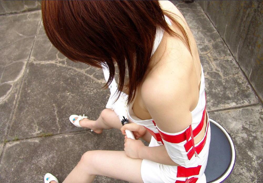 乳首チラしちゃった素人さん (5)