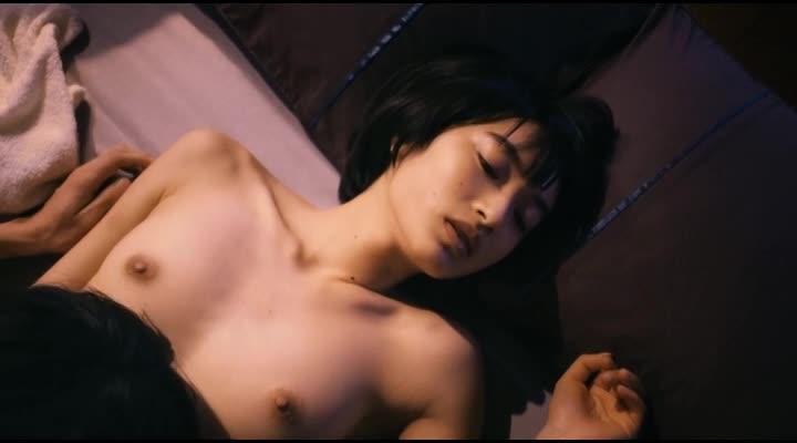 綺麗な芸能人の美しい乳首 (14)