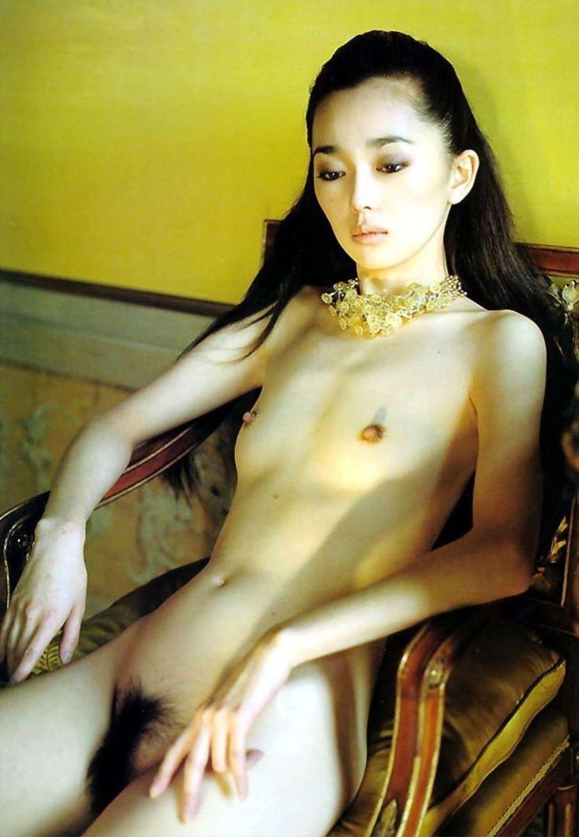綺麗な芸能人の美しい乳首 (6)