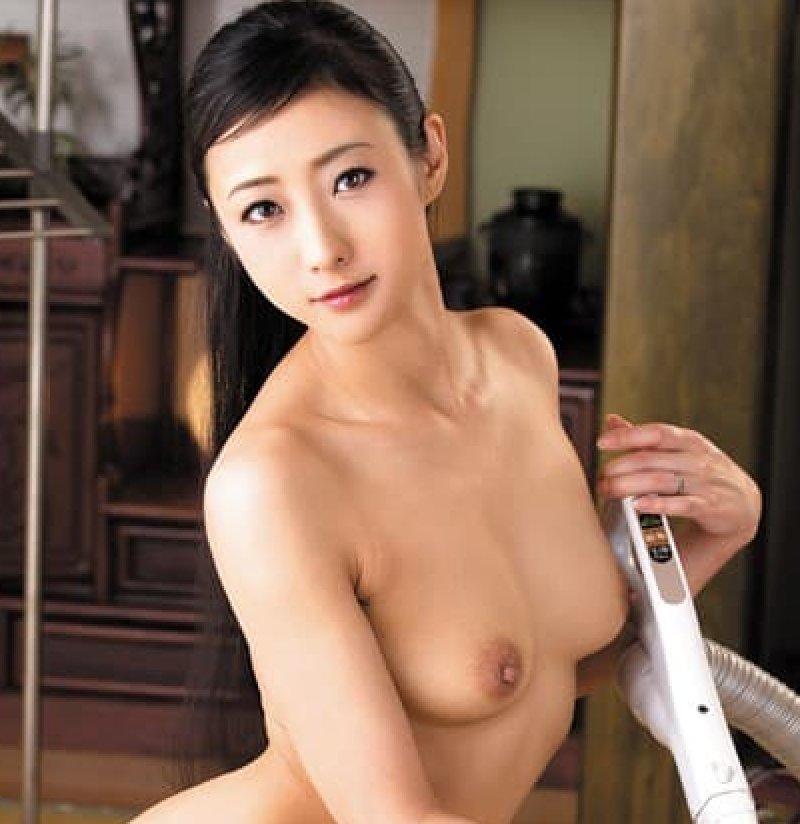 スレンダーな若妻が淫乱なSEX、神納花 (1)