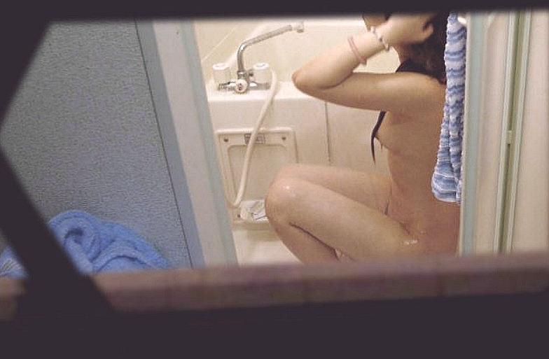 自宅の風呂場で裸の素人さんを発見 (16)