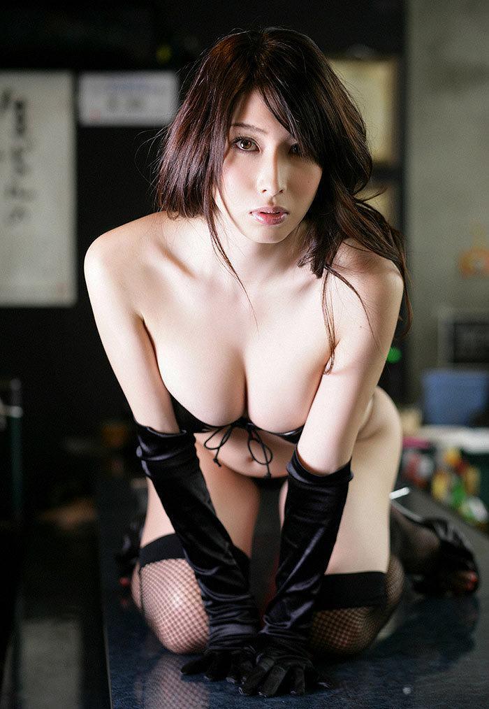 ボンデージ衣装がセクシーなナイスバディ美女 (19)