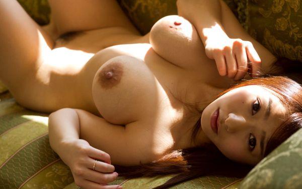 巨乳の人妻が乳房を揺らして激しくSEX、白石茉莉奈 (7)