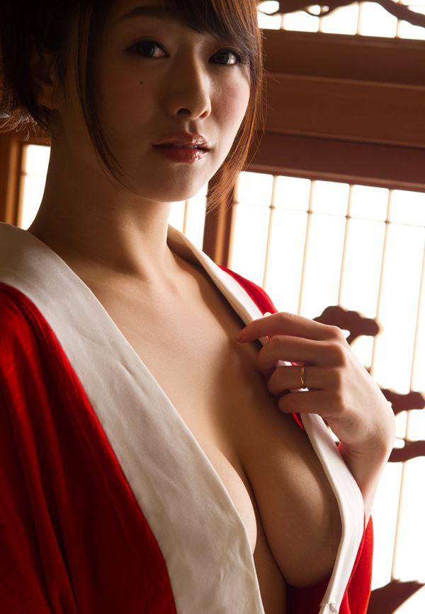 巨乳の人妻が乳房を揺らして激しくSEX、白石茉莉奈 (8)