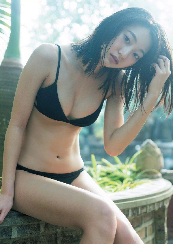 華奢なボディで猫っぽい顔の可愛い女優、武田玲奈 (15)