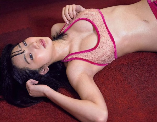 華奢なボディで猫っぽい顔の可愛い女優、武田玲奈 (5)