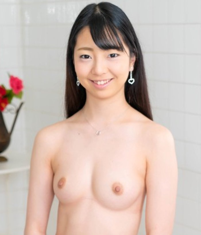 【新川優里】スレンダー貧乳の美少女が欲望のままに濃厚セックス