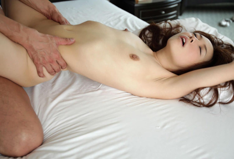 可愛い貧乳の女の子と激しいSEX (10)
