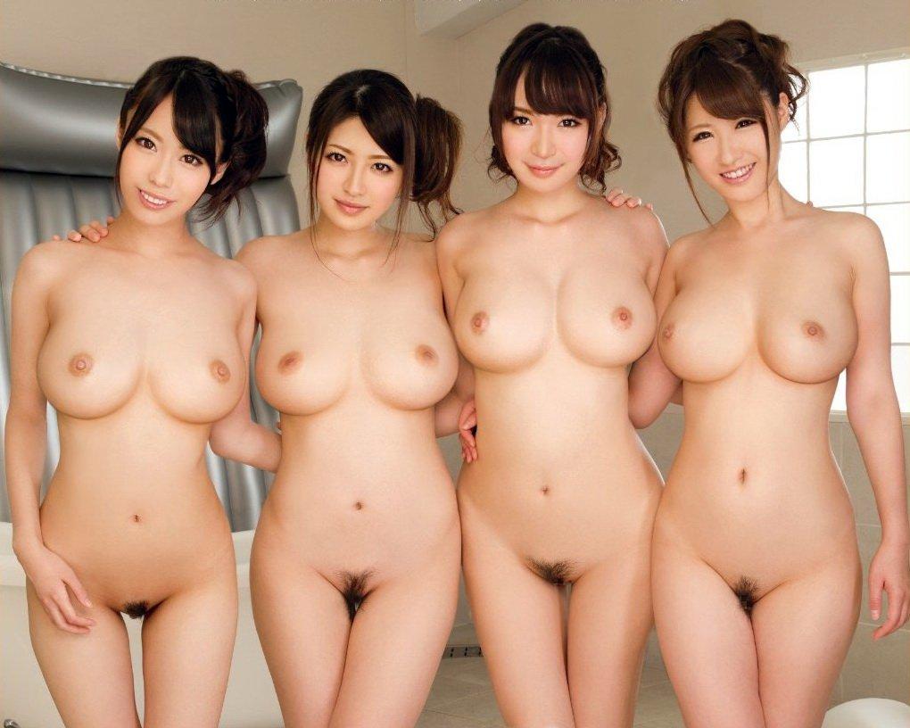 全裸のナイスバディ女性たちが集まった画像 (3)