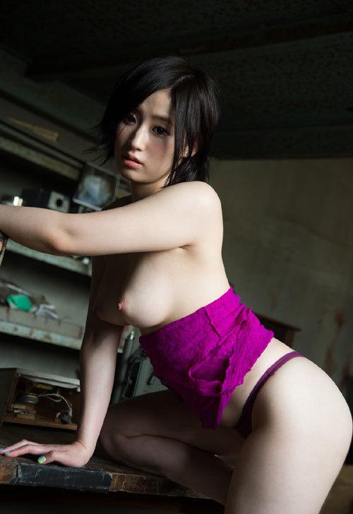 照れながらも淫乱なSEX、松永さな (4)