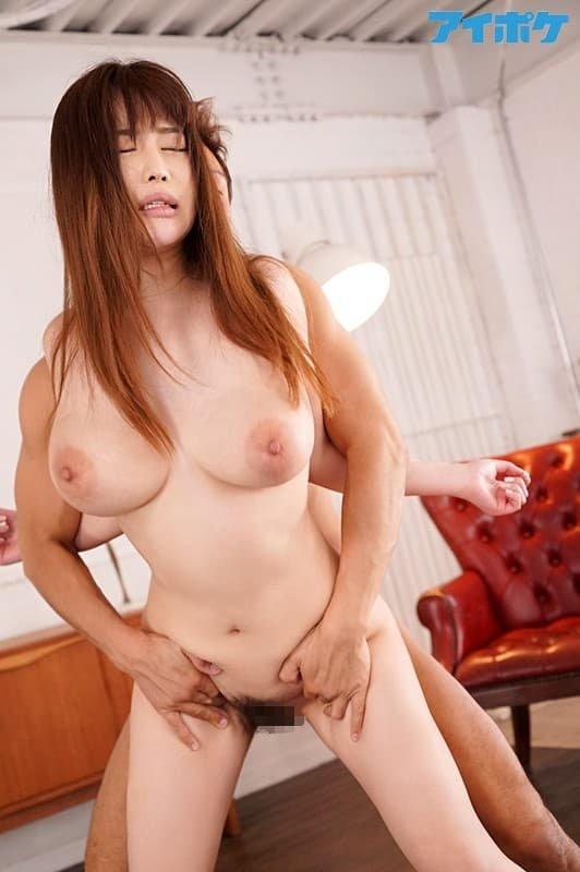 巨乳を揺らして悩殺SEX、益坂美亜 (20)
