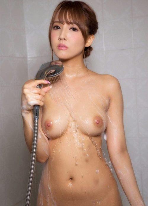 AV界のアイドルとして淫乱SEXをする、三上悠亜 (14)