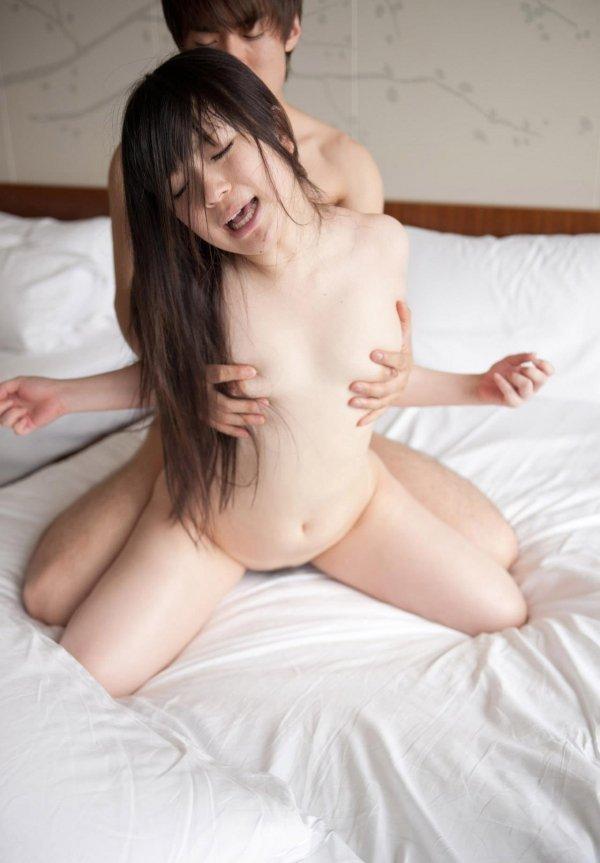 可愛い顔で濃厚SEX、南梨央奈 (19)