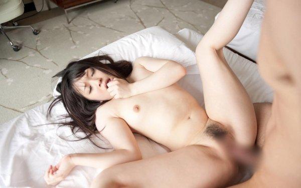 可愛い顔で濃厚SEX、南梨央奈 (20)