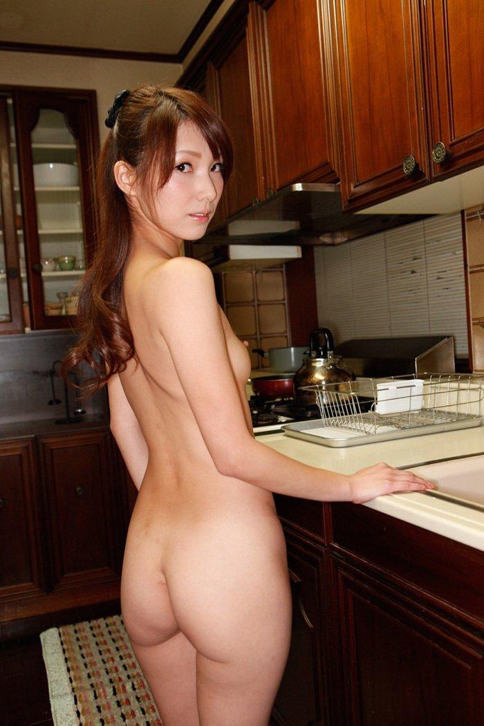 美尻がセクシーな美女 (11)